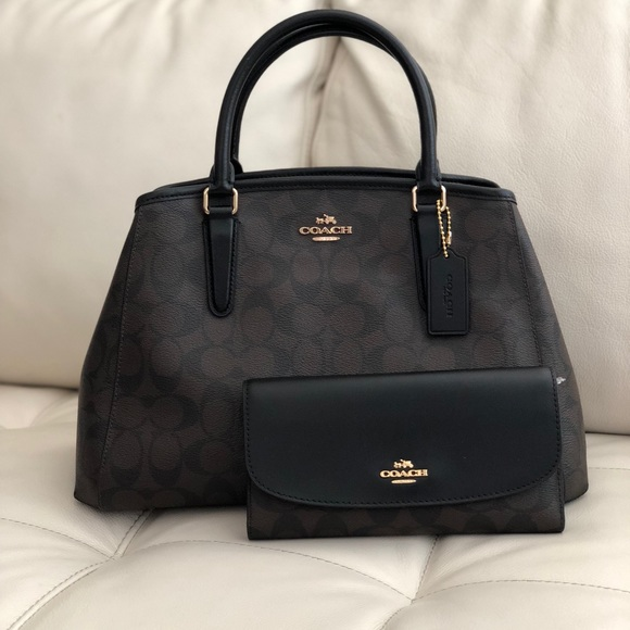 Coach Bags   Small Margot Carryall In Signature Wallet   Poshmark 78e411f77c